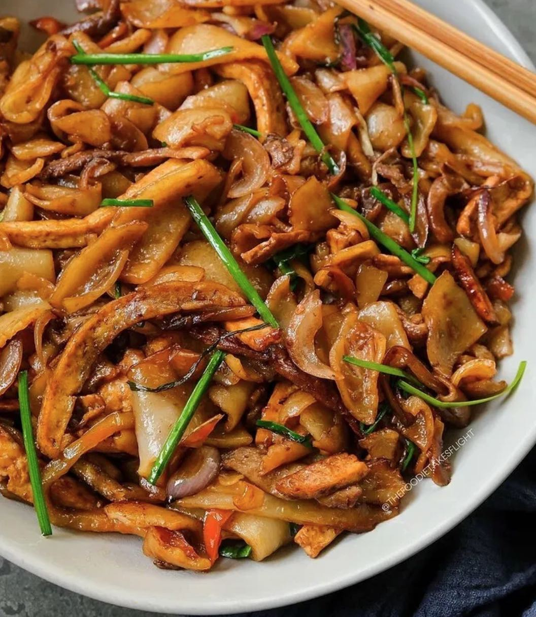 Stir Fried Flat Rice Noodles Hofan The Foodie Takes Flight